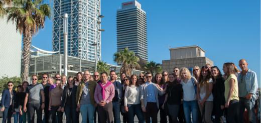 Mötesplats La Barceloneta. ESL:s internationella chefer anländer till Barcelona från hela världen. Det känns alltid fantastiskt att mötas allihop igen.